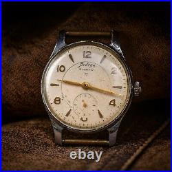Classic USSR Victory Watches 15 jewels vintage wristwatch 1970s mens watch