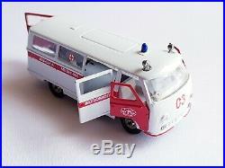 Diecast RAF-977 Latvija Ambulance USSR Soviet Union. 977