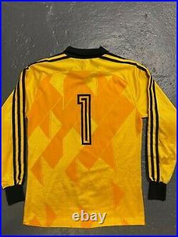 Soviet Union football 1987-89 retro goalkeeper jersey